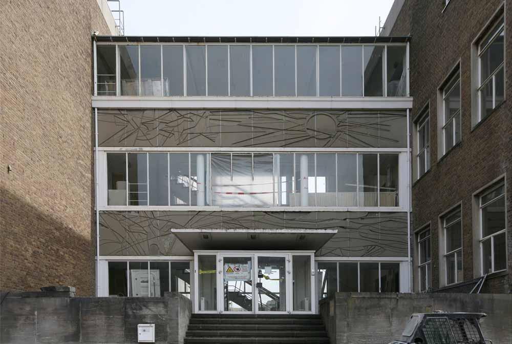 Betonrelief Biochemisch Lab Clusius Leiden