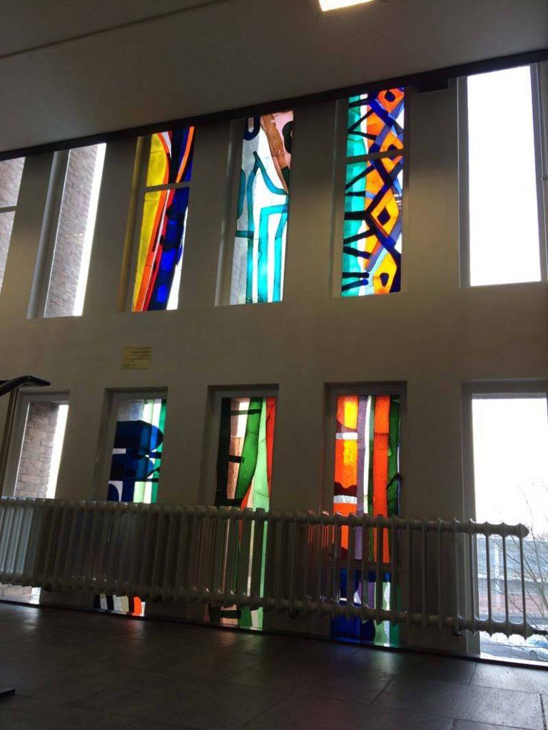 Lex Horn glasappliqué 2e verdieping, Farmaceutisch Laboratorium Groningen, 1964-1965