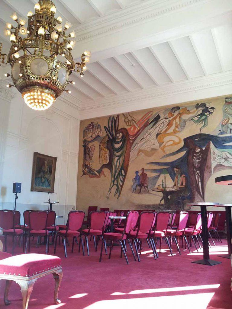 Wandschildering Elckerlyc in Stadsschouwburg